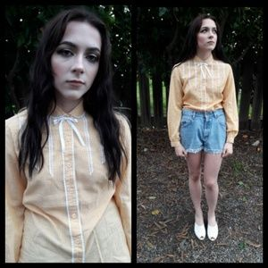 The cutest vintage 60's blouse!!